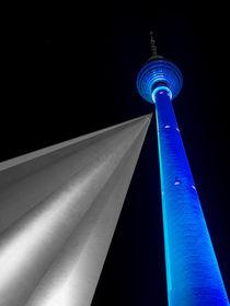 Blauer Fernsehturm / Blue TV Tower von Franziska Mohr