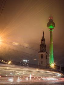 Fernsehturm im Nebel Farbe von Franziska Mohr