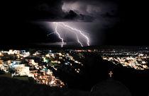 Lightning-during-a-thunderstorm-on-the-island-of-santorini-greece