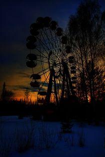 Romantic Ferris wheel ride  by Susanne  Mauz
