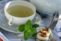 Teatime mit Tee-Mandel-Chocolat-Praline by lizcollet
