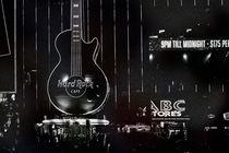 Hard Rock Cafe  by Bastian  Kienitz