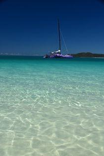 Katamaran am Whitehaven Beach by usaexplorer