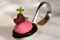 Rote Beete Mousse mit Thymian | Red Beet Mousse by lizcollet