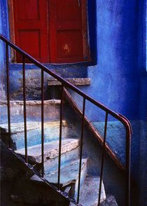 Blue-red-steps-mexico-5x7
