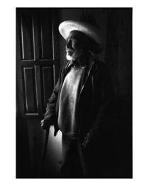 Old Man by Window von Alan Mogensen