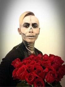 Skull Tux And Roses von Kent Chua