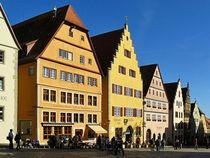 Am Marktplatz von Rothenburg ob der Tauber by gscheffbuch