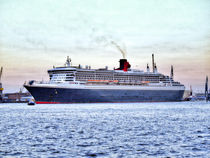 Queen Mary 2 by Christoph Stempel