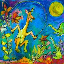 Giraffe jumping rope by Suzanne Ulrikka Pedersen