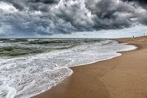 Dicke Wolken über der Nordsee by Annett Mirsberger