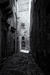 Narrow Street in Valletta by Frank Mitchell