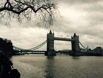 London Bridge  by Azzurra Di Pietro