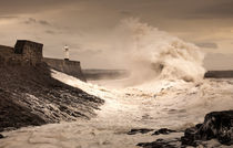 Porthcawl lighthouse by Leighton Collins