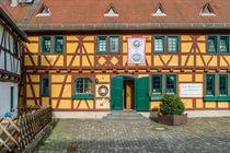 Eltville - Das gelbe Haus von Erhard Hess
