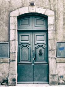 Une porte de Carcassonne by Laura Benavides Lara