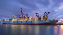 Photobia-cosco-containerschiff-hafen