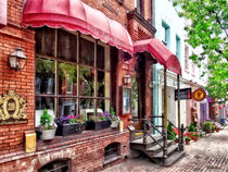 Alexandria VA - Red Awnings on King Street von Susan Savad