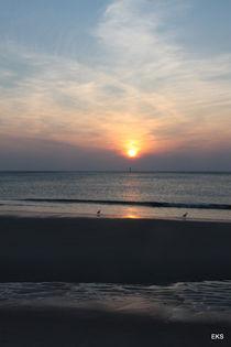 Sonnenuntergang am Meer ... Sylt ... Strand, blau by Edeltraut K.  Schlichting