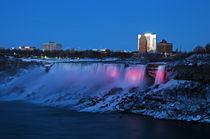 Niagara Fälle am Abend von Borg Enders