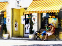 St. George Bermuda - Shopping on a Sunny Afternoon von Susan Savad