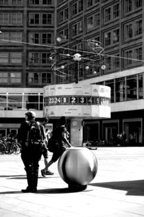 Stehen gelassene Zeit by Bastian  Kienitz