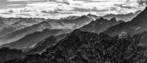 Mountains and mountains... by micoulou