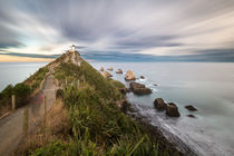 Nugget Point with clouds passing by by Felix Gross