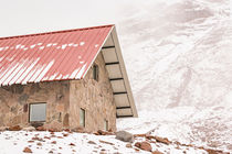 Shelter-at-chimborazo-mountain-in-ecuador