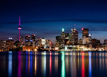 Toronto Skyline At Night From Polson St No 2 von Brian Carson