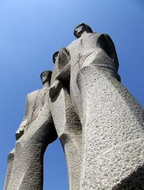 Monument by Claudio Boczon