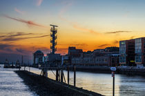 Sonnenuntergang im Hamburger Hafen von fotolos