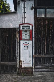 Old-gas-pump-7982