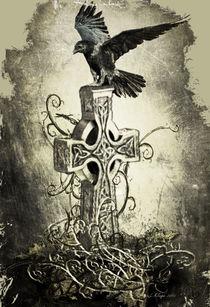 Rabe-auf-keltischen-kreuz