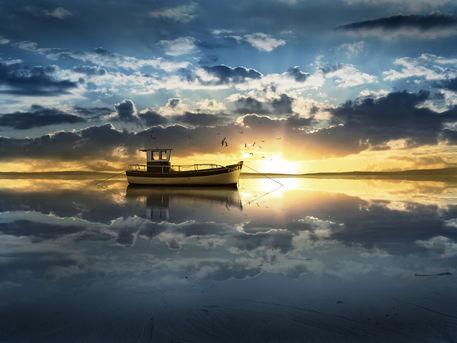 Sonnenaufgang-spiegelung-blue