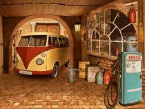 Nostalgische Autowerkstatt mit Bulli T1 von Monika Juengling