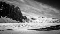 'B/W ice lake at Geiranger' by consen
