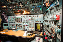 ANTONOV AN125 Flight Deck von aeronautpix