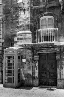 cardphone by la-mola-lighthouse