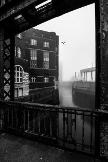 Hamburg Speicherstadt im Nebel III von elbvue