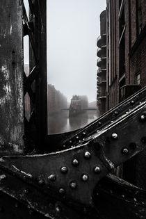 Hamburg Speicherstadt im Nebel II - Wasserschloss von elbvue