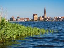 Blick über die Warnow auf die Hansestadt Rostock by Rico Ködder