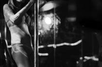 Erotische Tänzerin #3 by Colin Utz