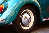 Der schöne alte VW Käfer, nur ein Teil und doch immer erkennbar! by Simone Marsig