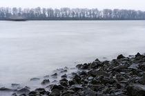 an der Elbe im Winter by fotolos