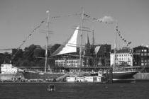 """Sailing boat / Segelboot """"Rickmer Rickmers Hamburg"""" 2016 in Hamburg, Hafengeburtstag von Simone Marsig"""