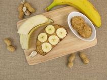 Brot mit Banane und Erdnussbutter von Heike Rau