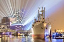 Elbphilharmonie with Cap San Diego von Steffen Klemz