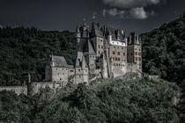Burg Eltz 35 - mystisch by Erhard Hess