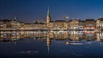 Jungfernstieg und Rathaus Hamburg von Sascha Neuroth